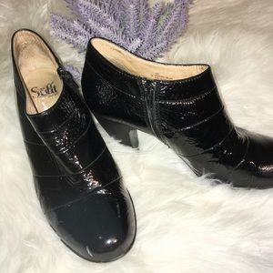 🔥Sofft Black Shiny Ankle Boots
